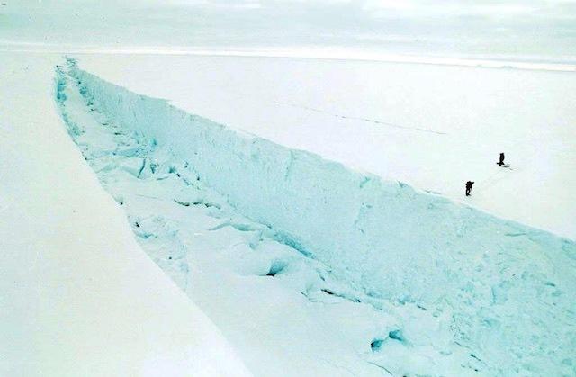 Larsen B ice shelf ready to break