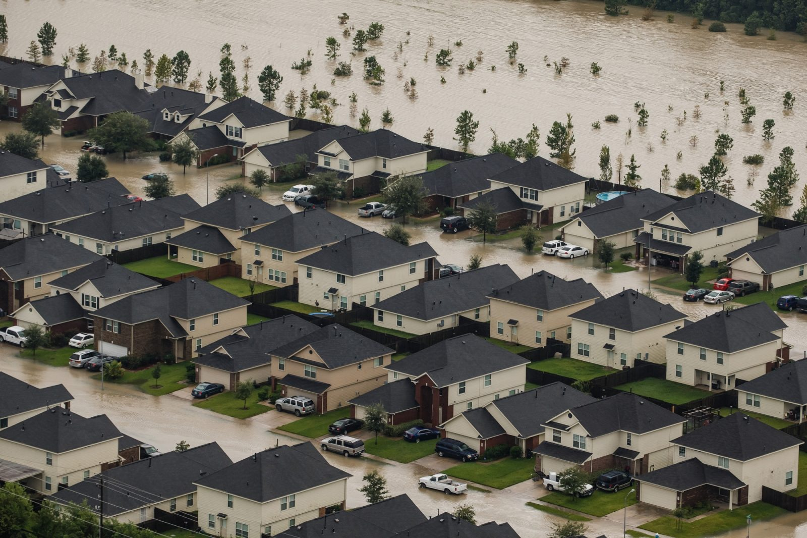 Residential neighborhoods in Houston, Texas near Interstate 10 sit in floodwater in the wake of Hurricane Harvey. (Marcus Yam/Los Angeles Times)