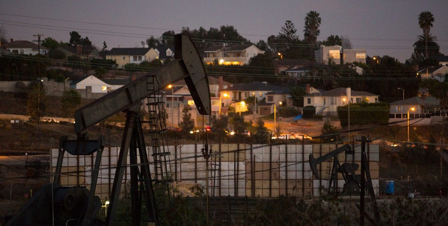 oil drilling in a California neighborhood