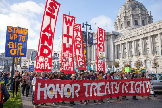 NO DAPL pipeline protest Image by Pax Ahimsa Gethen (CC BY-SA 4.0)