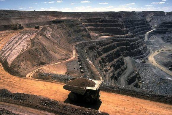 strip-mining for coal in australia
