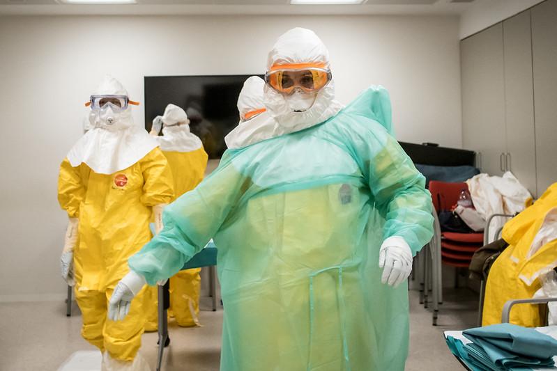Doctors suite up to deal with Coronavirus patients